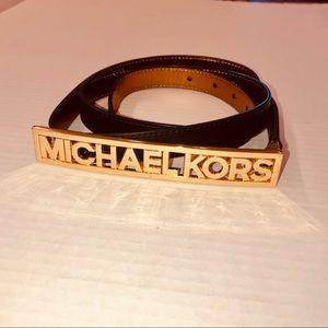 MICHAEL KORS GOLD LOGO BELT [XL]